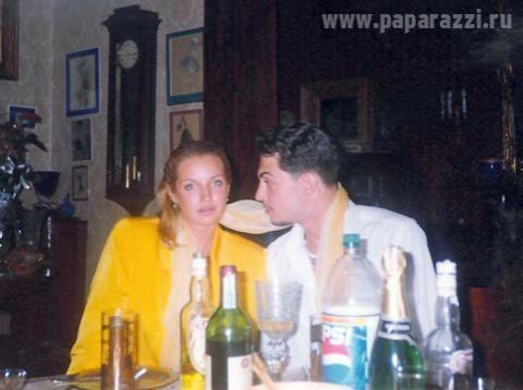 На снимках Волочкова и Зубковский репетируют на квартире, загорают вместе на пляже и выпивают за столом. Как утверждает издание, Волочкова и Зубковский остаются товарищами и по сей день. Вот только Волочкова уже замужем за юристом Игорем Вдовиным и родила ему дочь, а Зубковский продолжает изыскания.
